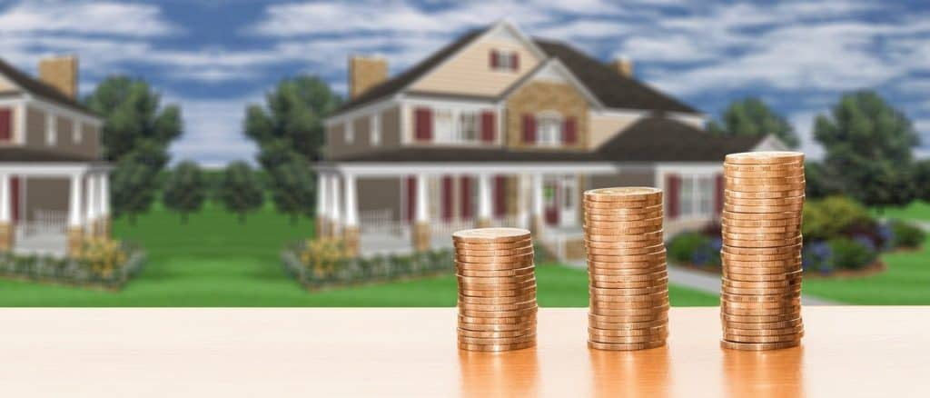בית שתי קומות ומטבעות